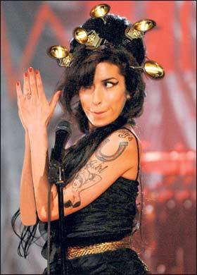 Amy Winehouse Lesbian 102