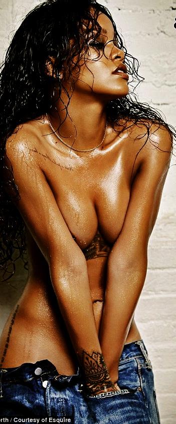 1415117089538_wps_2_Esquire_Rihanna_L3_jpg_Yo