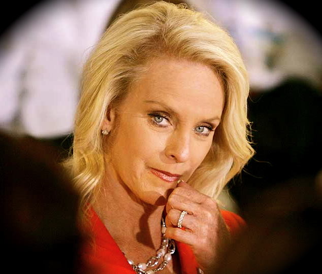 Cindy Hensley Mccain: Women Who Wear Red More Sexy, Study Shows. Cindy McCain