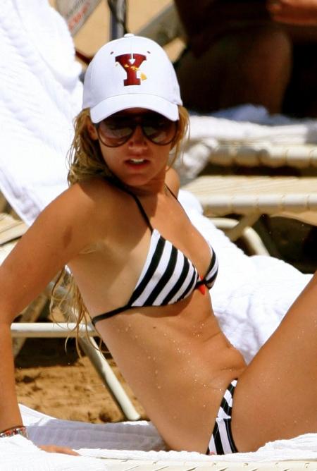 ashley-tisdale-bikini-candids-15-1