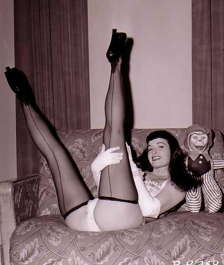 bettie_page_pinup_12