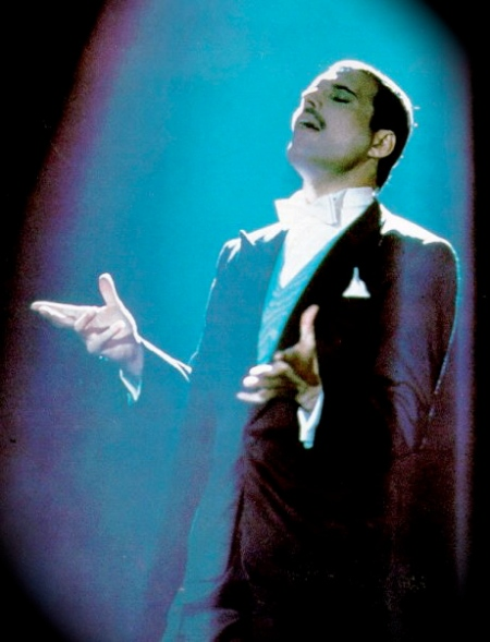 freddie-mercury-24-who-wants-to-live-forever
