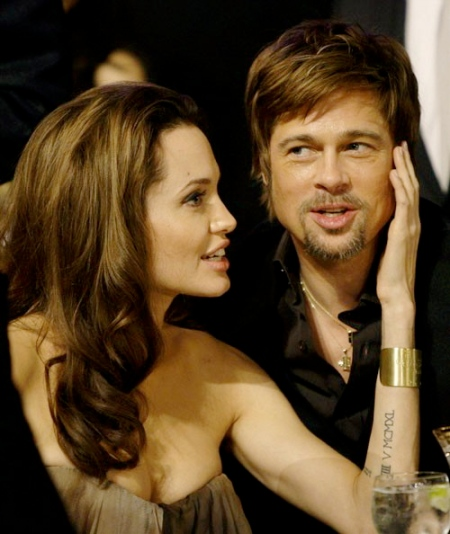 27-angelina-jolie-and-brad-pitt