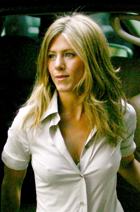 jennifer_aniston_pokie_shirt_big