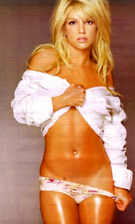 britney_spears_pulls_down_panties_jpg_jpg-1