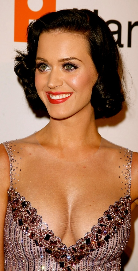 katy-perry-cleavage-01