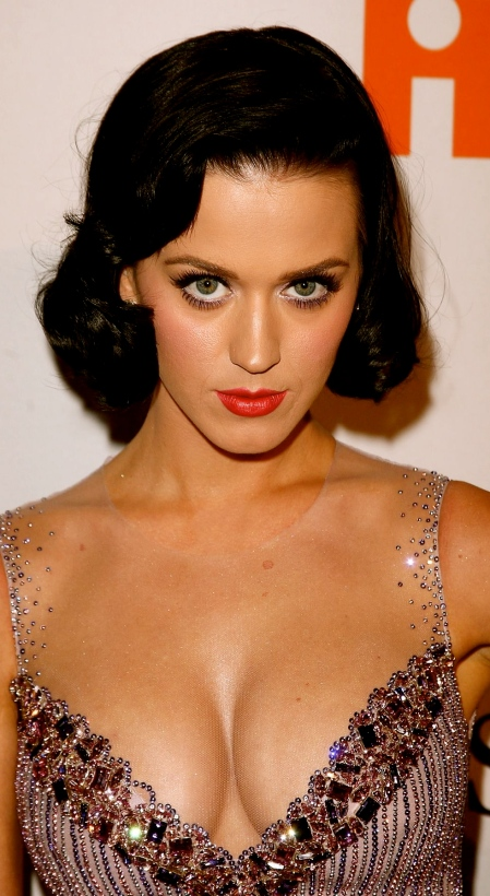 katy-perry-cleavage-03