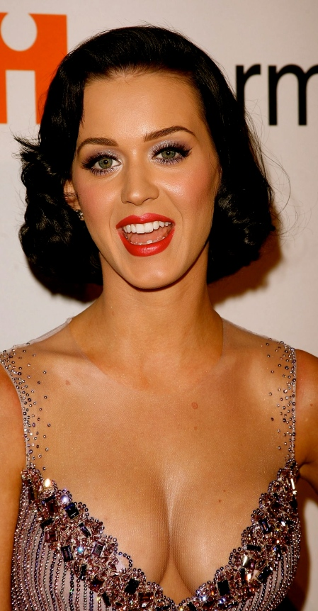 katy-perry-cleavage-05