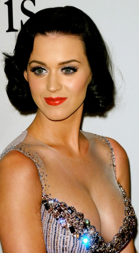 katy-perry-cleavage-06