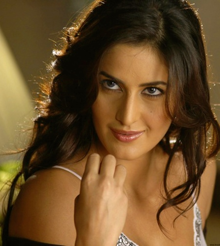 Katrina Kaif attractive-1