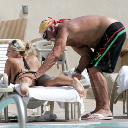 hulk-hogan-sunscreen-brookeapply2