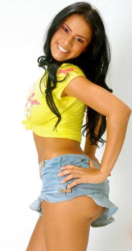 Selena-Spice-121-08-lg
