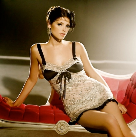 Ashley-Greene-4
