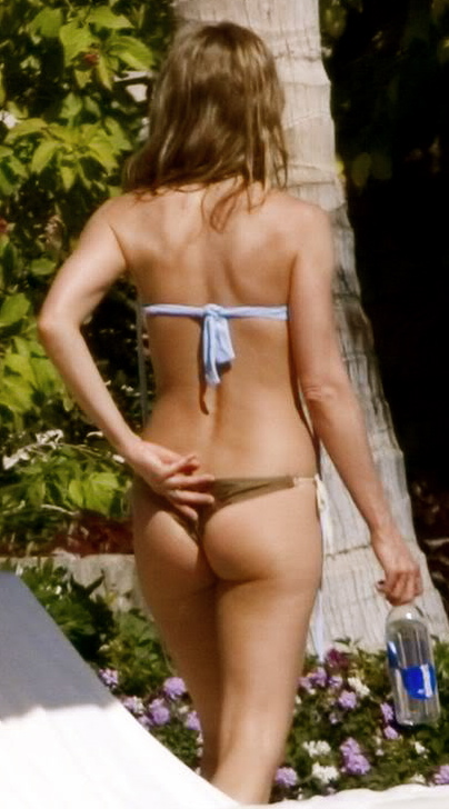 jennifer-aniston-bikini-1-06