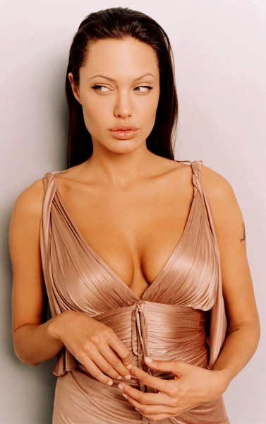 Angelina-Jolie-013