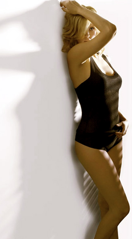 charlize-theron-sexiest-11