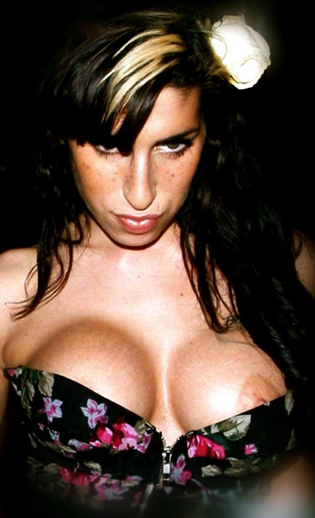 Amy Winehouse Nipples 3