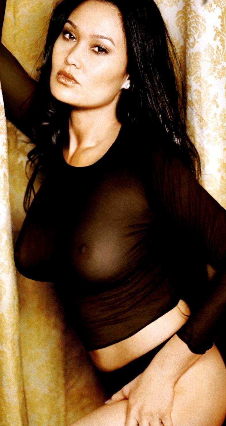Tia Carrere erotico de foto galeria | 22MOON.COM