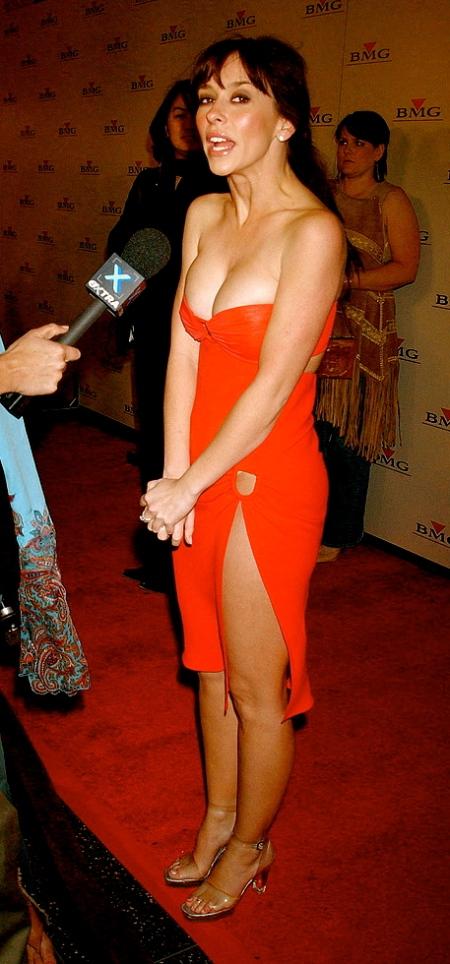 Jennifer love hewitt client list season 2 cleavage part 1