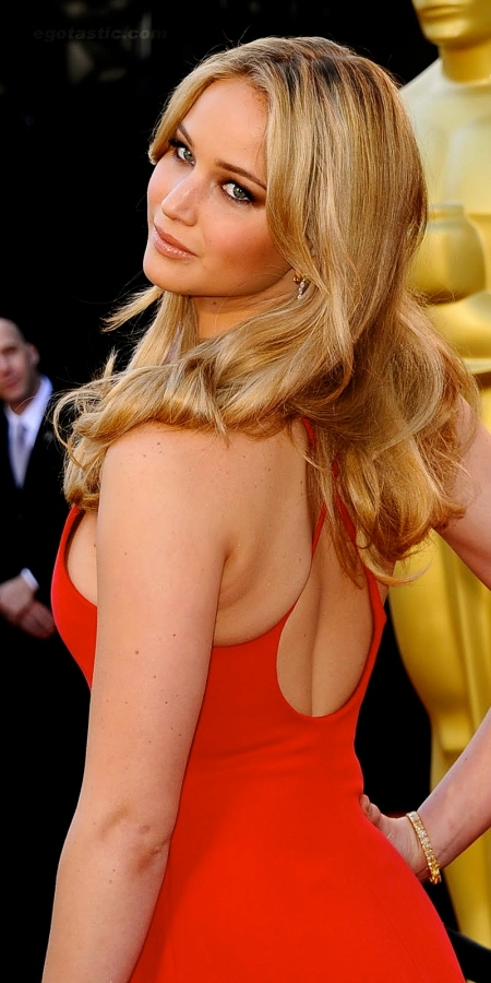 jennifer-lawrence-2011-oscars-01