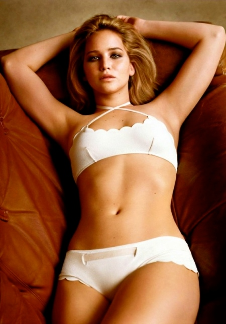 Jennifer_Lawrence_Bikini_Hot_Photos_Scene_Swim_Suit_Sexy_Semi_Nude_Pictures_images_1