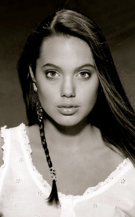 Young_Angelina_Jolie_005