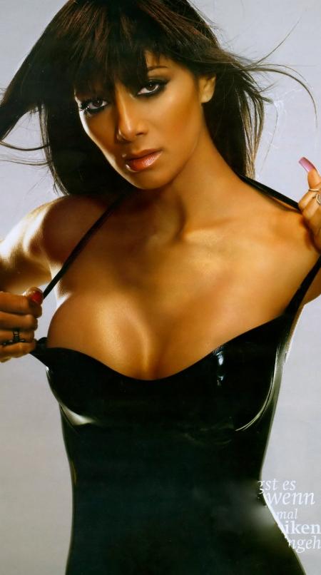 Nicole-Scherzinger-Maxim-photoshoot