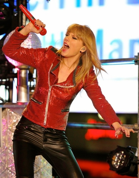taylor-swift-psy-and-carly-rae-jepsen-rock-dick-clark-new-year-rockin-eve