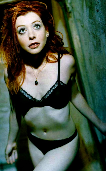 03-alyson-hannigan-naked