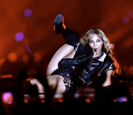 Beyonce-Knowles-Super-Bowl-Halftime6