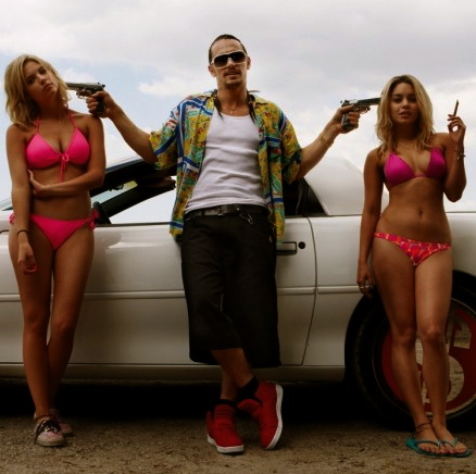 spring-breakers-ashley-benson-james-franco-vanessa-hudgens-587x600
