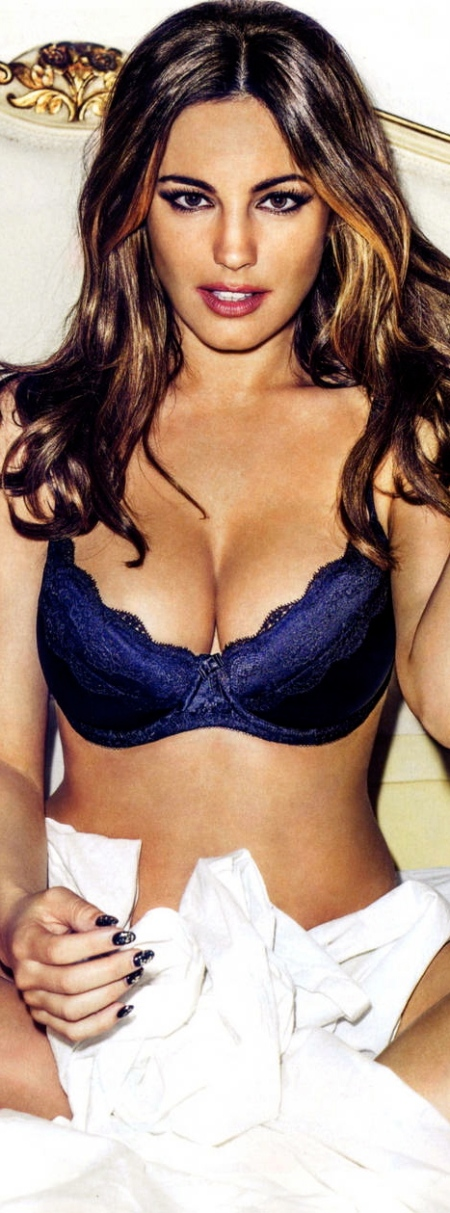kelly-brook-fhm-uk-5