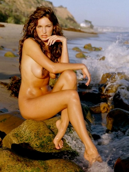 kelly-brook-nude-14