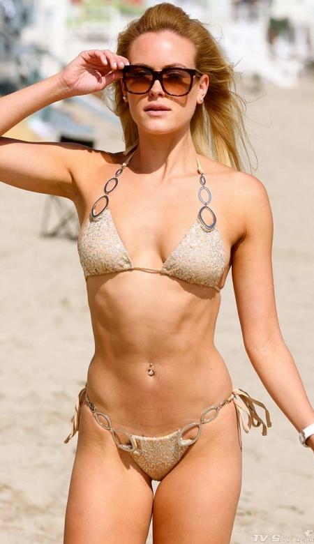 peta-murgatroyd-bikini-shades-lg-717900753