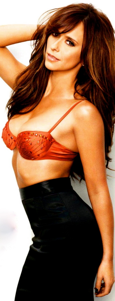 Jennifer-Love-Hewitt-Maxim-US-4