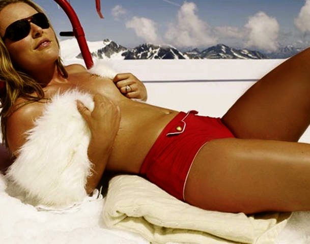 naughty bikini pussy pics