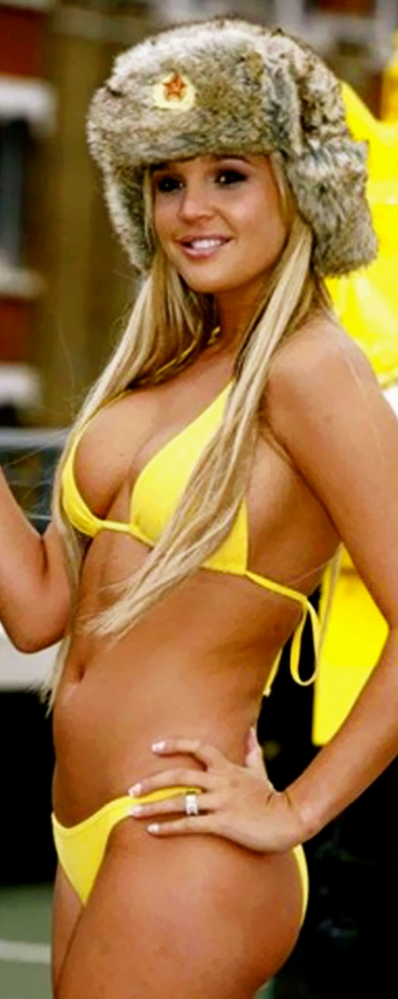 Lindsey-Vonn-Swimsuit-yellow