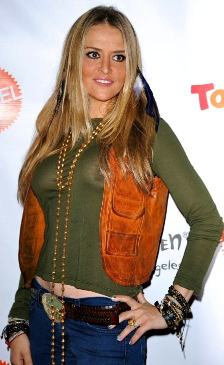 Brooke Mueller's Brales Boobs On Display In A Sheer Top At Children Halloween Party-www.searchcelebrityhd.com-001 (6)
