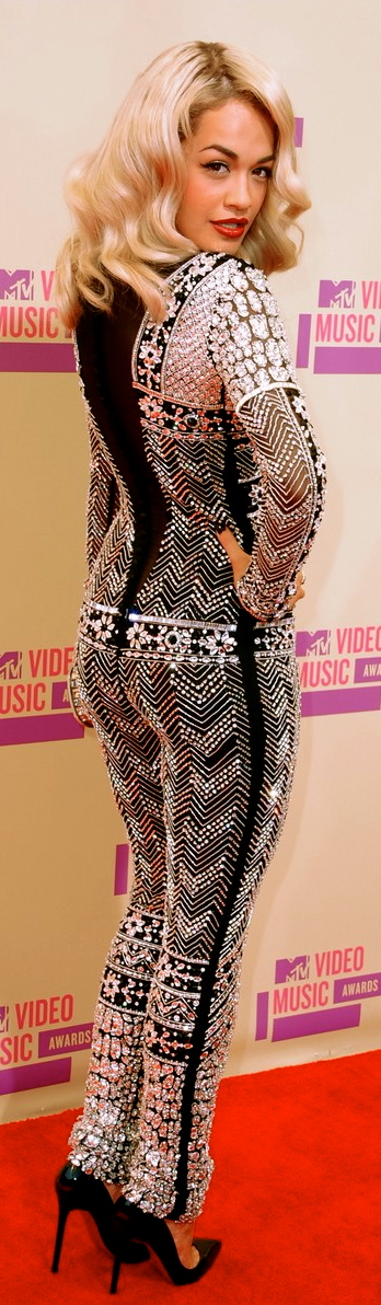 rita-ora-mtv-vmas-2012-red-carpet-02