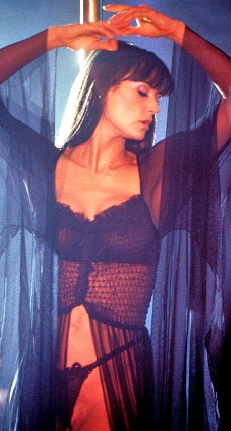 stripper-2_1733980a