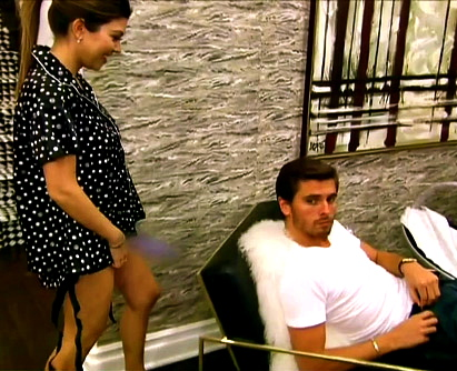 1370272490_kourtney-kardashian-scott-disick-467