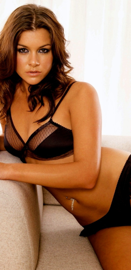 Imogen_Thomas_1260_Wallpaper