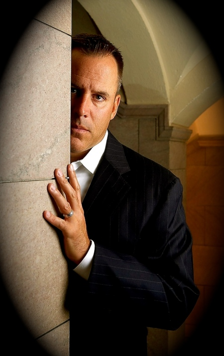 mystery-action-author-vince-flynn