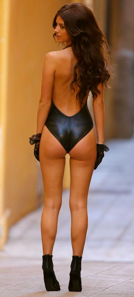 Lucy-Mecklenburgh-Photoshoot-Candids-in-Nice-15