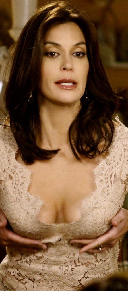 teri-hatcher-big-boobs-cleavage