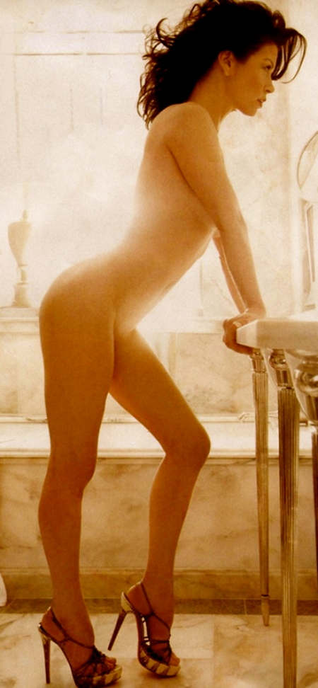 catherine_zeta_jones_naked_1-760x1061