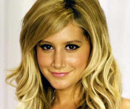 ashley-tisdale-wallpaper