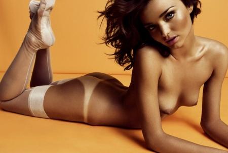 Miranda-Kerr-nude-topless-GQ-05