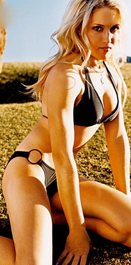 BikiniGirlsTop-Natalie-Gulbis-00