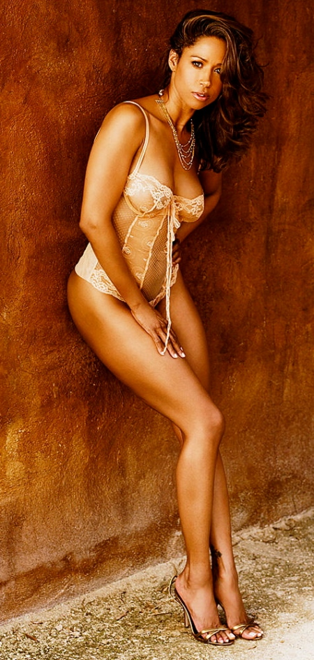 Nude-Sexy-40-Years-Old-Stacey-Dash-4